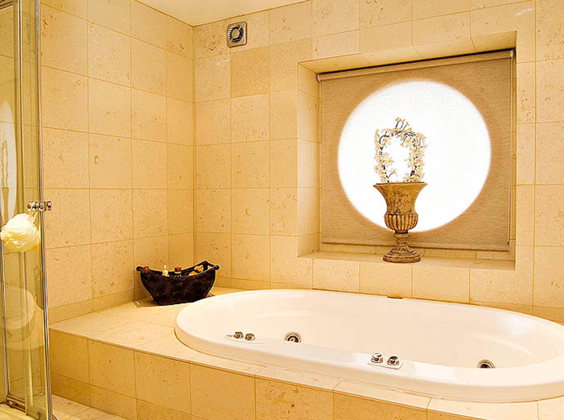 Leyland Bridge Barn - Bathroom